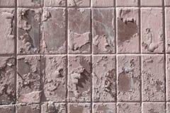 De oude tegel is hierboven geschilderd van met masyany verf verf ruw op weer stock afbeeldingen