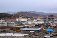 De oude tempel in de stijl van Tibet Stock Foto