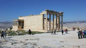 De oude tempel Erechtheion op de Akropolis, Athene, Griekenland stock footage