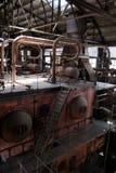 De oude thermische elektrische centrale, roestig en retro ziet eruit stock foto's