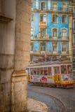 De Oude Tram van Lissabon stock afbeeldingen