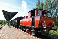 De oude trein van de stoommotor Stock Foto's