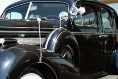 De oude uitstekende Amerikaanse auto Royalty-vrije Stock Afbeeldingen