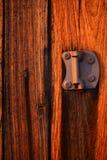 De oude uitstekende houten achtergrond van de staldeurtextuur Stock Afbeelding