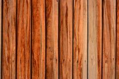 De oude uitstekende houten achtergrond van de staldeurtextuur Stock Afbeeldingen