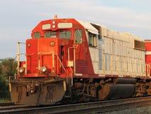 De oude van de diesel elektrische locomotief spoorwegtrein. Stock Afbeelding
