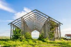 De oude Verlaten Industriële Bouw Stock Foto's