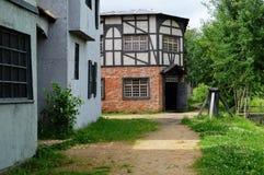 De oude verlaten verlaten straat royalty-vrije stock afbeeldingen