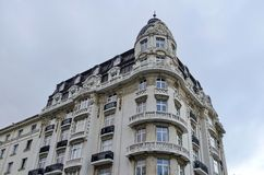 De oude vernieuwde bouw in de stad van Sofia Royalty-vrije Stock Afbeeldingen