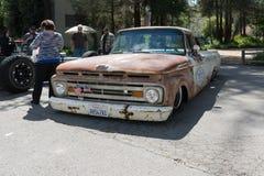 De oude vrachtwagen van Ford Stock Fotografie