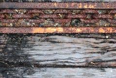 De oude vrachtwagenvloer met kettingslijn Stock Foto's