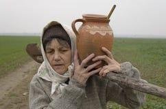 De Oude Vrouw van het land royalty-vrije stock foto