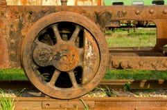 De oude wielen van de stoomtrein Stock Afbeelding