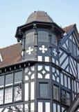 De oude Zwart-witte Bouw in Chester stock afbeeldingen