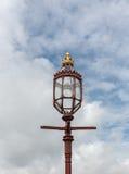 De ouderwetse straatlantaarn, Hampton Court, Engeland Stock Afbeeldingen