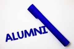 De Oudstudenten van de handschrifttekst Concept die Aluin Oude gediplomeerde Postuniversitair betekenen die van de Vieringsideeën royalty-vrije stock foto