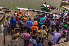 31 de outubro de 2014: Cena de Bollywood em Varanasi, Índia Imagens de Stock Royalty Free