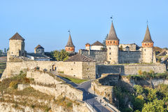 20 de outubro de 2016 - Kamianets-Podilskyi, Ucrânia Fortaleza velha de Kamenetz-Podolsk perto da cidade de Kamianets-Podilskyi Imagens de Stock
