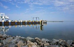 7 de outubro de 2015 Lewes Delaware: Doca de balsa em Lewes Delaware Imagens de Stock Royalty Free