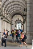 2 de outubro de 2014: Washington, C.C. - pessoa que viaja através da união Fotos de Stock