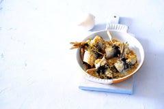 De oven bakte knapperig brood en parmezaanse kaas vastgeroest overzees visfilet royalty-vrije stock fotografie