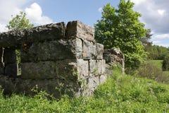 De overblijfselen van een steenhuis stock fotografie