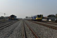 De overdrachtceremonie van diesel-Elektrische locomotief om Spoorweg van Thailand te verklaren Royalty-vrije Stock Afbeeldingen