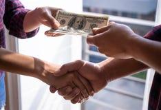 De overeenkomst van het handelgeld voor corruptie of overeenkomst, geen gezicht stock foto's