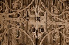 De overladen Uitstekende Poort van het Kasteel Stock Afbeeldingen