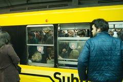 De overvolle Metro van Buenos aires Stock Afbeeldingen