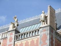 De overweldigende Decoratie van het Dak van Rijksmuseum in Amsterdam Stock Foto