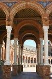 De overwelfde galerijen van Sevilla Stock Fotografie