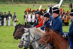 De paardruiters in Borodino vechten het historische weer invoeren in Rusland Stock Afbeelding