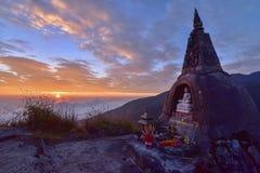 De pagode op de berg in de zon vastgestelde tijd in Chiang-MAI Stock Afbeelding