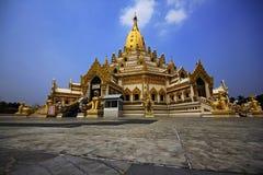 De Pagode van het tandoverblijfsel, Yangon Deze Pagode wordt onlangs gemaakt na 2de wereldoorlog Stock Foto's