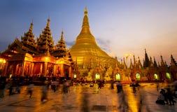 De pagode van Shwedagon bij nacht Stock Fotografie