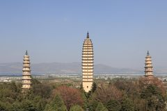 De Pagoden in de Beroemde Drie Pagoden van China in Dali, Yunnan-provincie Royalty-vrije Stock Afbeelding