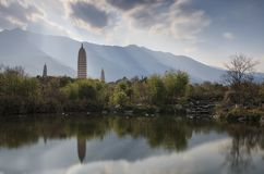 De Pagoden in de Beroemde Drie Pagoden van China in Dali, Yunnan-provincie Stock Fotografie