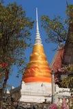 De pagoden met gouden stof worden gebonden die Stock Afbeelding
