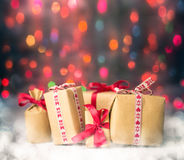 De pakketten stelt Kerstmisachtergrond voor kleurden lichtengift Royalty-vrije Stock Afbeelding