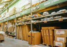 De pakketten van het tuinmeubilair in opslag Stock Afbeeldingen