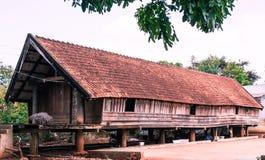 De paleolitische met stro bedekte hutten in Buon trekken, Daklak, Vietnam aan Royalty-vrije Stock Foto