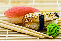 De Paling en de Tonijn van sushi Stock Foto's