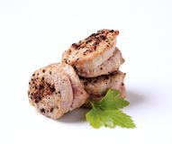 De pan geroosterde medaillons van het varkensvleeshaasbiefstuk Stock Fotografie
