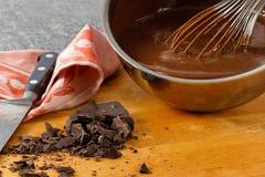 De Pan van de saus met de Pudding van de Chocolade Stock Afbeeldingen