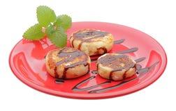 De pannekoeken van de kaas met chocoladestroop stock foto's