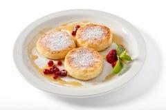 De pannekoeken van de kaas met rode wortleberry Royalty-vrije Stock Afbeeldingen