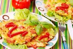 De pannekoeken van groenten met kool Stock Afbeeldingen