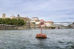 De panoramische boot van de de rivierreis van fomdouro, mening van Dom Luiz Bridge Royalty-vrije Stock Afbeeldingen