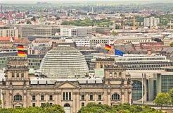 De panoramische luchtmening van Berlijn met het Bundestag gebouw Royalty-vrije Stock Afbeeldingen